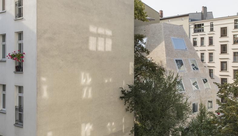 Barkow Leibinger: Apartment House Prenzlauer Berg Berlino
