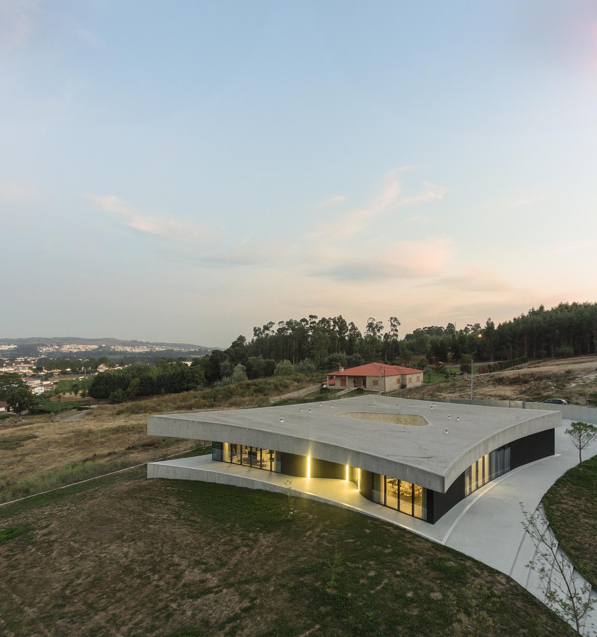 Casa Cabo de Vila di Spaceworkers in Paredes, Portugal