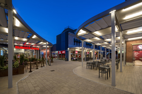 Lombardini22: Neuer Eingang und Food Court beim Valmontone Outlet