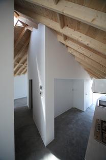 Alphaville: Skyhole, Atelier und Wohnhaus für Künstler