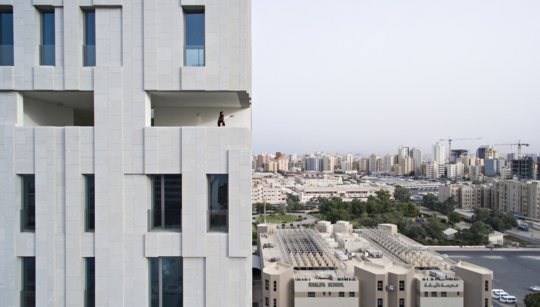AGi Architects: Wafra Vertical Housing, Windturm in Salmiya