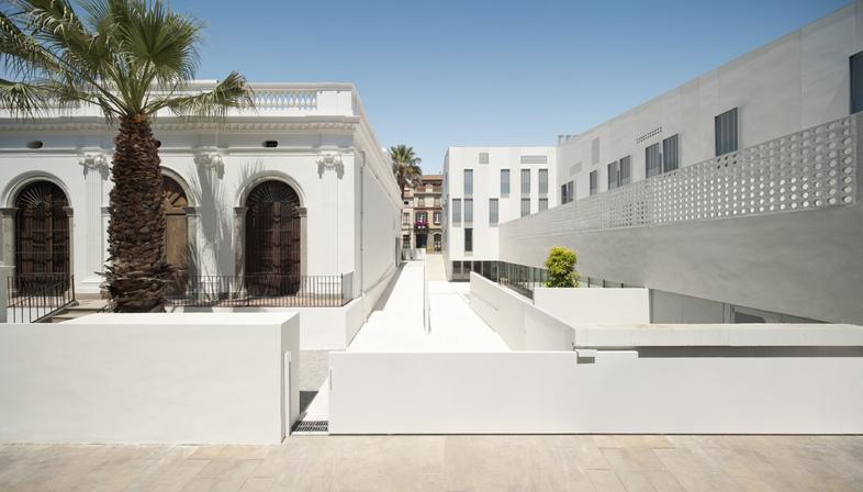 Batlle i Roig: Kulturzentrum Can Bisa und neue Wohnungen