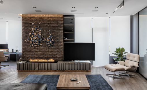 33 by architecture: Black is back, Apartment in Kiew