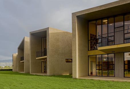Taller de Arquitectura de Bogotá: Kindergarten San José in Cajicá