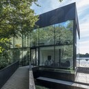 Glass Villa on the Lake von Mecanoo