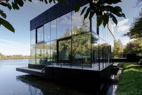 Glass Villa on the Lake von Mecanoo