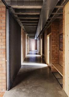 Harquitectes: Bürgerzentrum in der ehemaligen Glasfabrik Cristalleries Planell, Barcelona