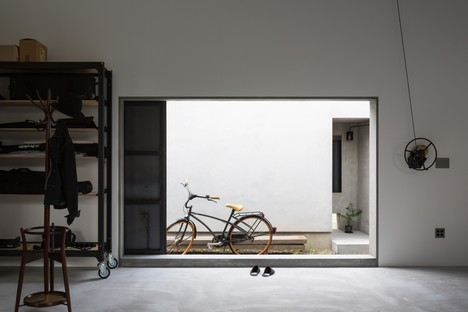FORM/Kouichi Kimura Architects: Haus für einen Fotografen in Japan