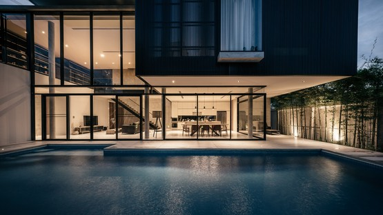 """Die Thailänder Anonym gestalten """"bAAn"""", ein Luxusfamilienhaus in Bangkok"""