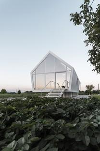 Das Haus im Garten von LDA.iMdA: nachhaltiges zeitgenössisches Landleben