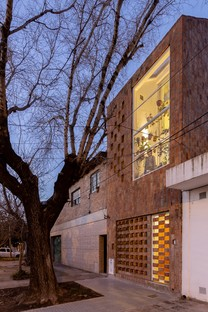 Elisa Fuscaldo, Sebastian Gomez: Haus-Büro el Sucucho in Rosario