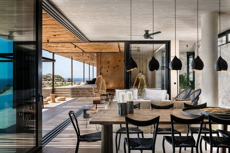 Paly Architects realisiert eine Luxusresidenz am Meer in Livadia, Kreta