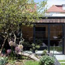 Charred Garden House von Trellik in London
