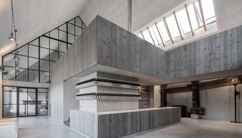 Gut Wagram: Das Wiener Büro Destilat für die Weinmanufaktur Clemens Strobl