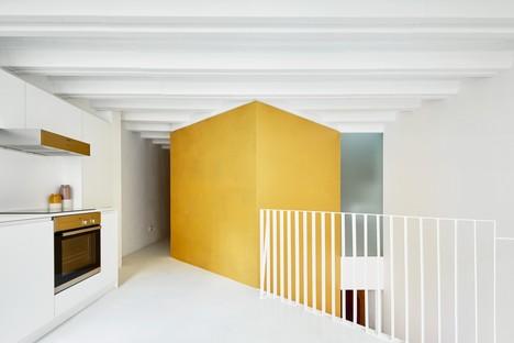 Raúl Sánchez: Maisonettewohnung Tibbaut in Raval, Barcelona