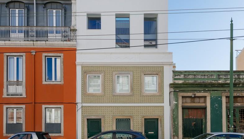 Aurora Arquitectos: Residenz in rua Bartolomeu Dias, Lissabon