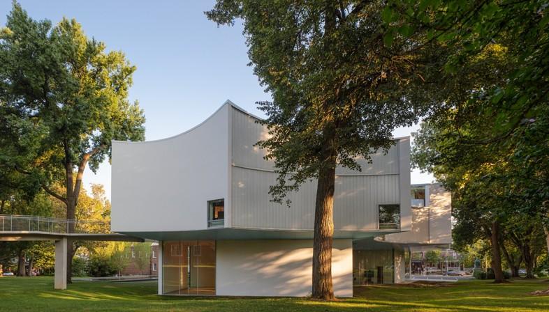 Steven Holl: Winter Visual Arts Building in Lancaster Pennsylvania