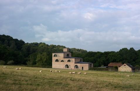Adam Richards: Nithurst Farm in der englischen Landschaft