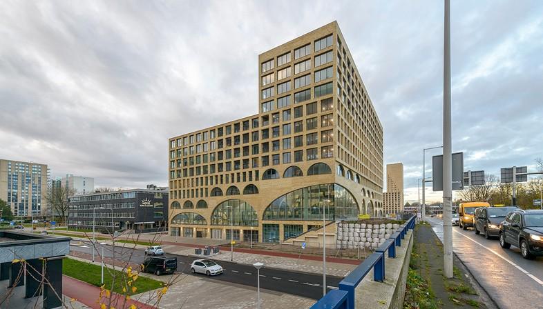 Westbeat by Studioninedots: private Wohnhäuser und öffentlicher Raum koexistieren in Amsterdam