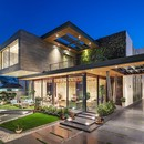 Cantilever House de Zero Energy Design Lab
