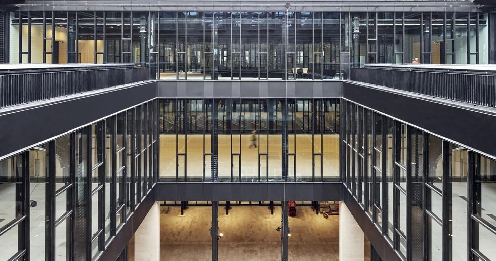 Dominique Perrault: Restaurierung und Umwandlung der Poste du Louvre