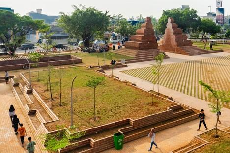SHAU: Alun-alun Kejaksan Platz, Cirebon, Indonesieb