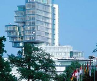 Behnisch and Partner: Norddeutsche Landesbank<br> Hannover, Deutschland, 2002