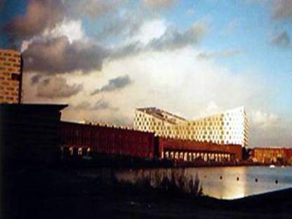 Adriaan Geuze von West 8: Der Wal von Amsterdam, 2001