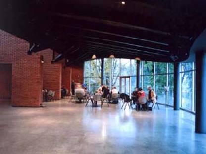 Arata Isozaki: Ausstellungspavillon für die japanische Kunst und Technologie