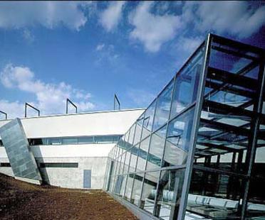 Erweiterung des Berufsbildungszentrums von Kuopio, Finnland. 1993-95