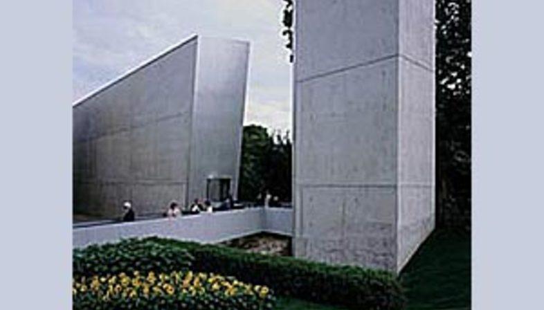 Felix Nussbaum Haus, Osnabrück, Deutschland, 1994. Daniel Libeskind