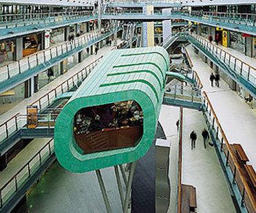 Amsterdam, Villa Arena:<br>Das neue Restaurant im M&ouml;beleinkaufszentrum