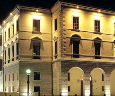 Paolo Portoghesi. <br>Universität von Treviso. <br>2002