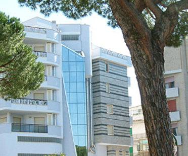 Mehrzweckgebäude Agorà