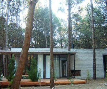 Casa de Veraneo, BAK arquitectos asociados. Mar Azul (Buenos Aires), 2005