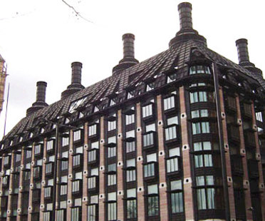 Portcullis House, Hopkins Architects. London. 2000