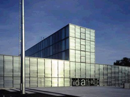 Mediathek von Vénissieux. Dominique Perrault. 2001