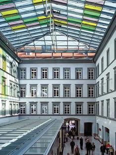 Rathaus von Innsbruck. Dominique Perrault. 2002