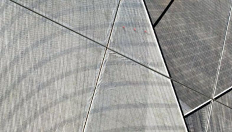 Renzo Piano. Basis von Luna Rossa. Valencia, 2006