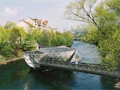 Die Insel in der Mur - Acconci Studio und Art & Idea.<br /> Graz, 2001