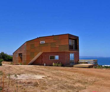 Haus Weller. Riesco + Rivera Arquitectos Asociados<br /> mit R&U arquitectos asociados.<br />Punta del Gallo, Chile - 2005
