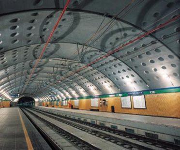 Angelo Mangiarotti, Zwei Bahnhöfe der Untergrundbahn in Mailand: Venezia und Repubblica