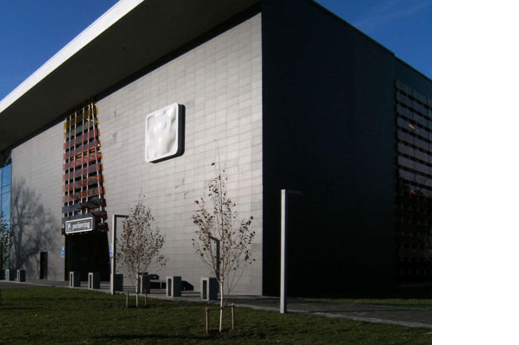 Künstlerisch Fassade Mit Blech Verkleiden Das Beste Von Bo:x, Ein Stadttor Hinterlüfteter