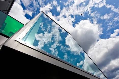 Dettaglio dei box vetrati all�ultimo piano