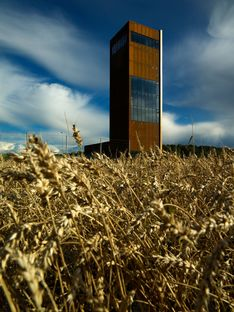 Der Turm von Todd Saunders zwischen Norwegen und Schweden