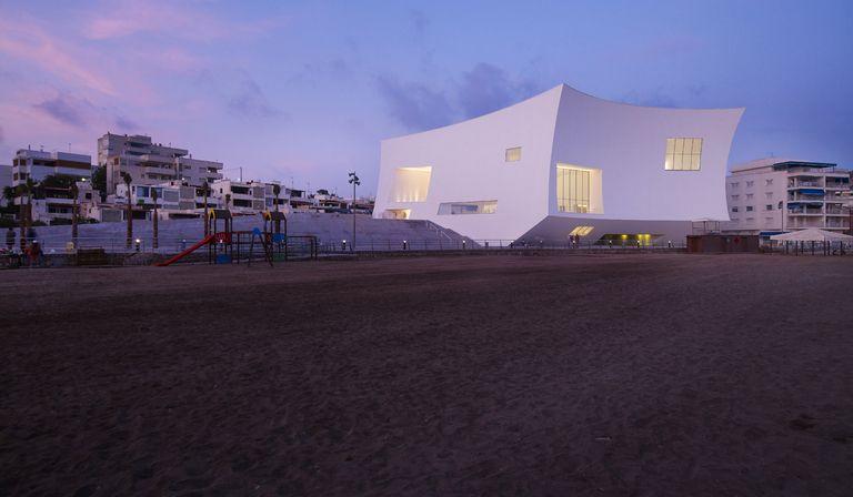 Barozzi veiga auditorium in aguilas floornature for Design buros essen