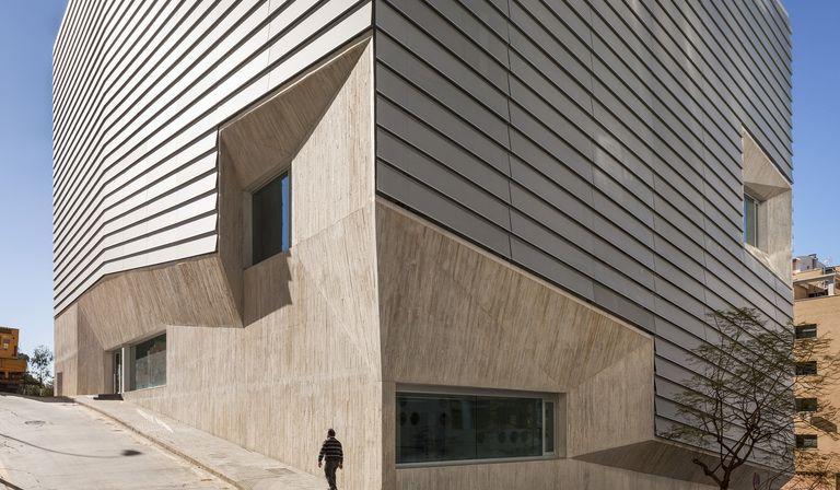 Paredes Pedrosa: Öffentliche Bibliothek in Ceuta