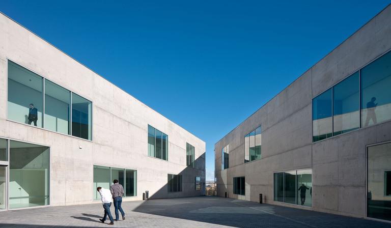 Taller Bàsico de Arquitectura: Fakultät für Medizin in Saragossa