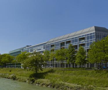 Shigeru Ban: Büros der Mediengruppe Tamedia – Architektur im Detail in Zürich