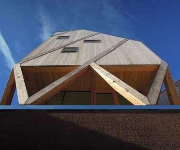 MoDus Architects: Haus und Künstleratelier in Kastelruth